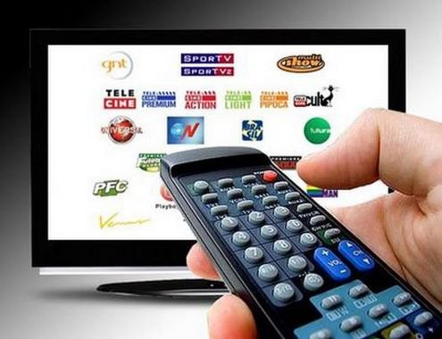 Com a crise, cada vez mais brasileiros estão abrindo mão da TV paga