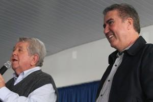 Presidente, Ver. Cid Ferreira, ao lado do prefeito Jonas Donizette
